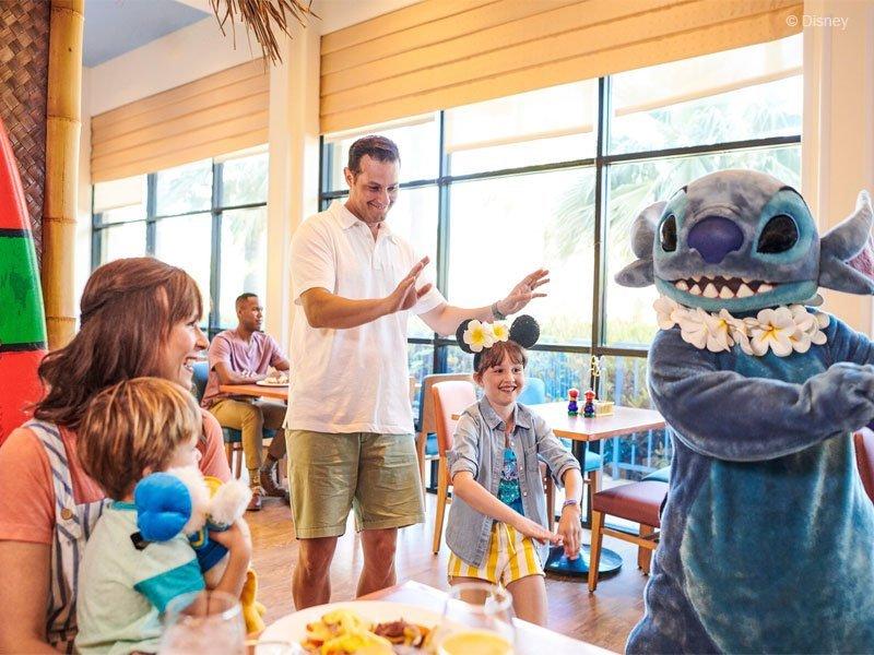 refeições com os personagens Disney