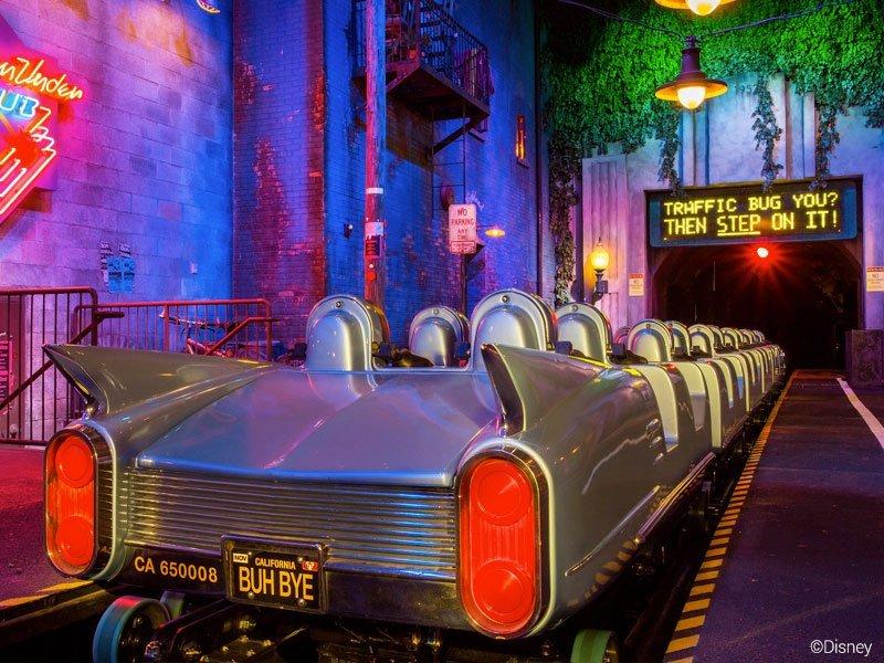 a ROCK 'N' ROLLER COASTER é uma das atrações radicais da Disney