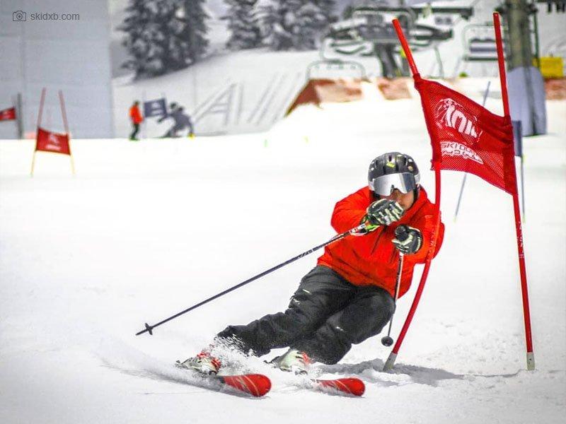 Ski Dubai - melhor resort de esqui indoor do mundo - jovens Emirados Árabes - resort dubai